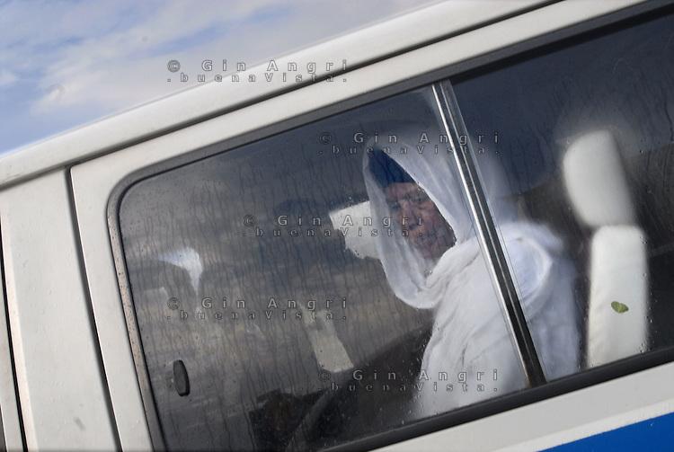 Addis Abeba,Etiopia. Donna in taxi collettivo.Woman in a taxi