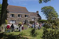 Royaume-Uni, îles Anglo-Normandes, île de Sark (Sercq) : Dimanche aprés midi dans le jardin du foyer municipal// United Kingdom, Channel Islands, Sark Island (Sercq)