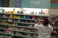 Farmacia nel Supermercato Coop. Pharmacy in the Supermarket Coop....