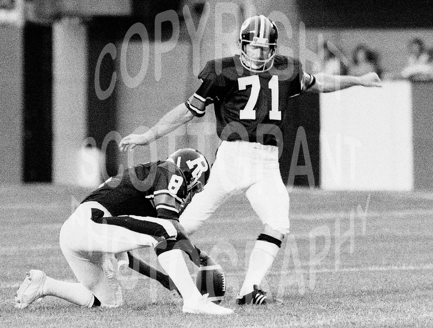Gerry Organ Ottawa Rough Riders kicker. Copyright photograph Scott Grant