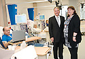 02/08/2010   Copyright  Pic : James Stewart.026_hospital_day_one  .::  NHS FORTH VALLEY ROYAL HOSPITAL, LARBERT :: THE NEW RENAL UNIT'S JANE RODRIGUEZ MEETS TRUST CHAIRMAN IAN MULLEN  :: DAY ONE OF THE NEW HOSPITAL AS PATIENTS START TO ARRIVE   ::