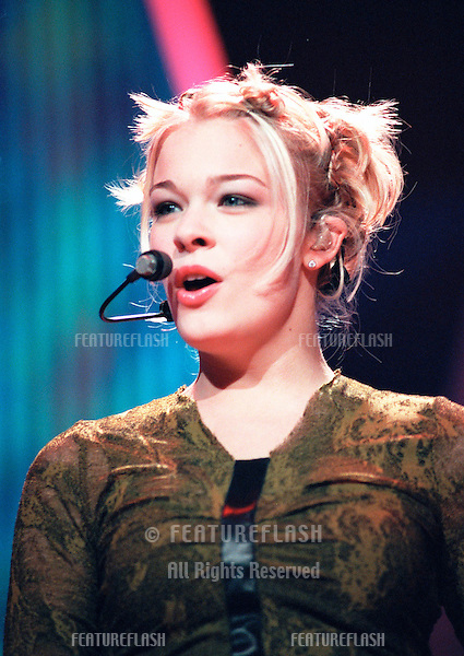 """29OCT99: Country star LeANN RIMES on stage at the MGM Grand, Las Vegas, for his concert staged by new internet company Pixelon.com as part of their """"iBash99"""".    .© Paul Smith / Featureflash"""