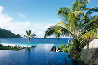 An horizon pool with a stunning view out over the Indian Ocean