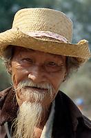 Bettler am Samberg im Mekongdelta, Vietnam