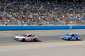 Monster Energy NASCAR Cup Series<br /> TicketGuardian 500<br /> ISM Raceway, Phoenix, AZ USA<br /> Sunday 11 March 2018<br /> Erik Jones, Joe Gibbs Racing, Toyota Camry Sport Clips and Kyle Larson, Chip Ganassi Racing, Chevrolet Camaro Credit One Bank<br /> World Copyright: Rusty Jarrett<br /> NKP / LAT Images