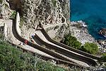 Italy, Campania, Capri: Via Krupp zigzaging down cliff | Italien, Kampanien, Provinz Neapel, Capri: Via Krupp, Verbindung von Capri zur Marina Piccola