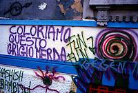 Milano, 1988.Graffiti prodotti dai giovani dei centri sociali all'esterno del CS Mandragora di Ple Aspromonte..Foto Livio Senigalliesi