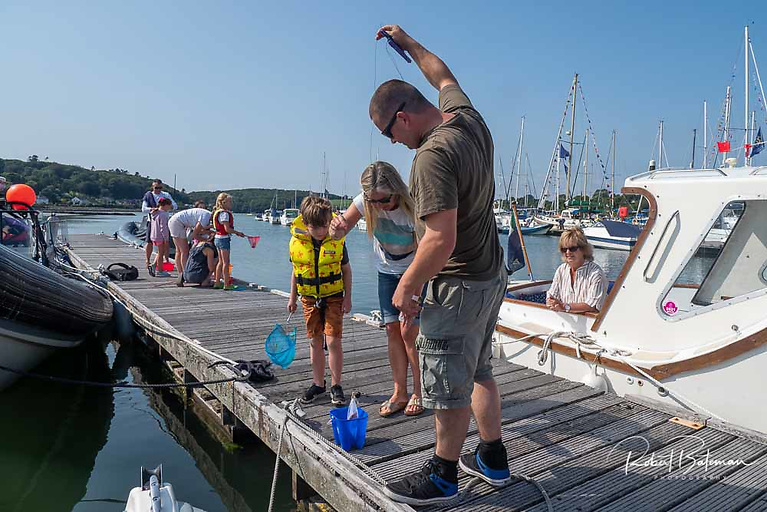 There as intense competition in the crab catching contest at the club pontoon Photo: Bob Bateman