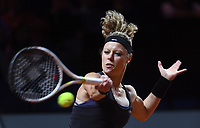 25 April 2018, Stuttgart, Germany: Tennis: WTA-Tour - Stuttgart, Singles, Ladies: Germany's Laura Siegemund playing against Vandeweghe from the US. Photo: Marijan Murat/dpa