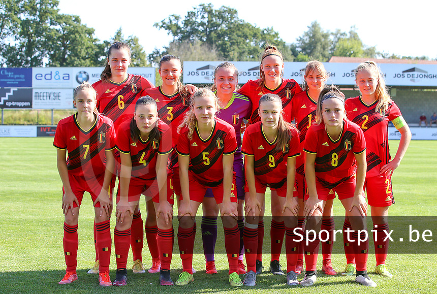 Team photo of the Belgian team taken before an international friendly female soccer game between the national teams of Belgium , called the Red Flames U17 and the Netherlands on Wednesday 8th of September 2020  in Kalmthout , Belgium . PHOTO SPORTPIX.BE | SPP | SEVIL OKTEM