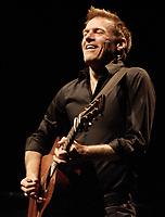 Le rocker canadien Bryan Adans en spectacle le 10 Aout 2009, a Montreal, CANADA<br /> <br /> PHOTO :  Agence  Quebec Presse