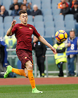 Roma's Stephan El Shaarawy in action during the Italian Serie A football match between Roma and Napoli at Rome's Olympic stadium, 4 March 2017. <br /> UPDATE IMAGES PRESS/Riccardo De Luca