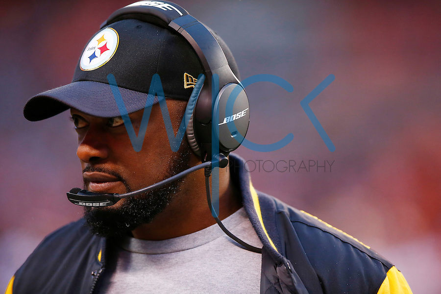 Head coach Mike Tomlin of the Pittsburgh Steelers looks on against the Cleveland Browns during the game at FirstEnergy Stadium on January 3, 2016 in Cleveland, Ohio. (Photo by Jared Wickerham/DKPittsburghSports)