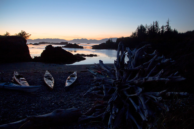 Sea kayakers, campsite, Vancouver Island, British Columbia, Canada, Spring Island, Kyuquot Sound, wilderness coast, sunset, Pacific Ocean,
