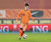 BREDA, NETHERLANDS - NOVEMBER 27: Dominique Janssen #20 of the Netherlands dribbles during a game between Netherlands and USWNT at Rat Verlegh Stadion on November 27, 2020 in Breda, Netherlands.