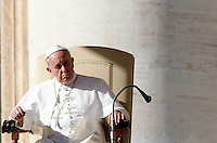 Papa Francesco tiene l'udienza generale del mercoledi' in Piazza San Pietro, Citta' del Vaticano, 6 novembre 2013.<br /> Pope Francis looks on during his weekly general audience in St. Peter's Square at the Vatican, 6 November 2013.<br /> UPDATE IMAGES PRESS/Riccardo De Luca<br /> <br /> STRICTLY ONLY FOR EDITORIAL USE