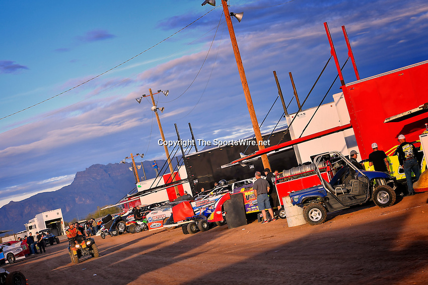 Jan 7, 2017; 4:50:22 PM; QUEEN CREEK, AZ., USA; 11th Annual Keyser Manufacturing Wild West Shootout at Arizona Speedway presented by O'Reilly Auto Parts. Mandatory Credit: (thesportswire.net)