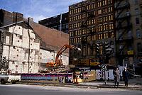 Demolitions au centre-ville de Montréal dans les années 80.<br /> <br /> St-Antoine et St-Urbain , vers 1987