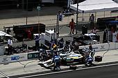 #30: Takuma Sato, Rahal Letterman Lanigan Racing Honda pit stop