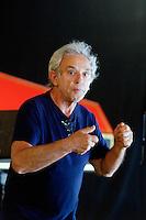 Philippe Humeau, dans la série regards : « Je suis musicien mais pas seulement », facteur de clavecins.<br /> Père de Clémentine Humeau, ancienne hautboïste devenue créatrice de parfum