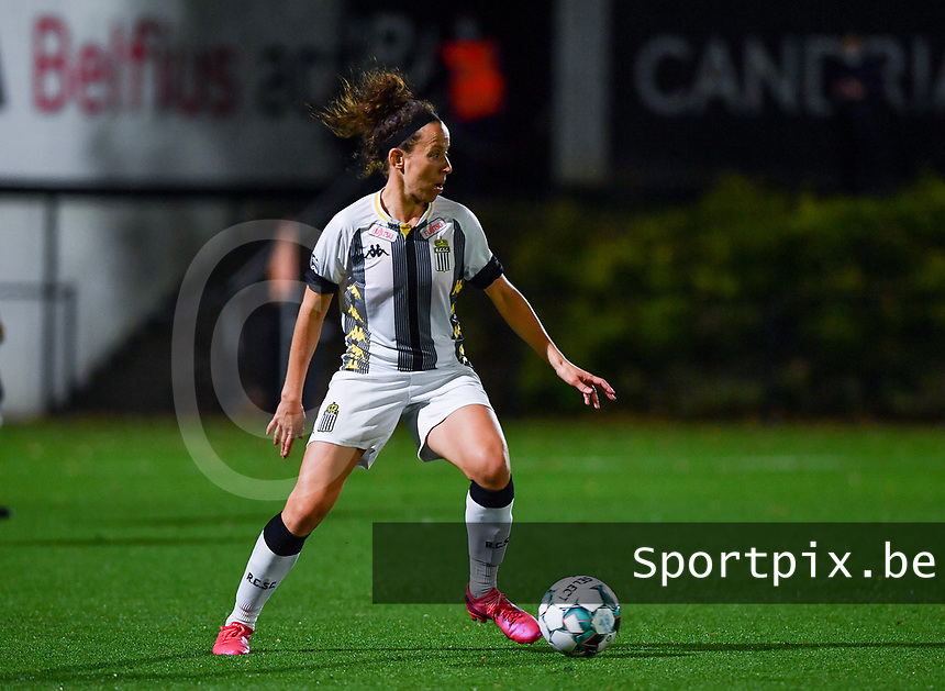 midfielder Ines Dhaou of Sporting Charleroi pictured during a female soccer game between Sporting Charleroi and Club Brugge YLA on the fourth matchday of the 2020 - 2021 season of Belgian Scooore Womens Super League , friday 9 nd of October 2020  in Marcinelle , Belgium . PHOTO SPORTPIX.BE | SPP | DAVID CATRY