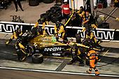Verizon IndyCar Series<br /> Desert Diamond West Valley Phoenix Grand Prix<br /> Phoenix Raceway, Avondale, AZ USA<br /> Saturday 29 April 2017<br /> James Hinchcliffe, Schmidt Peterson Motorsports Honda pit stop<br /> World Copyright: Scott R LePage<br /> LAT Images