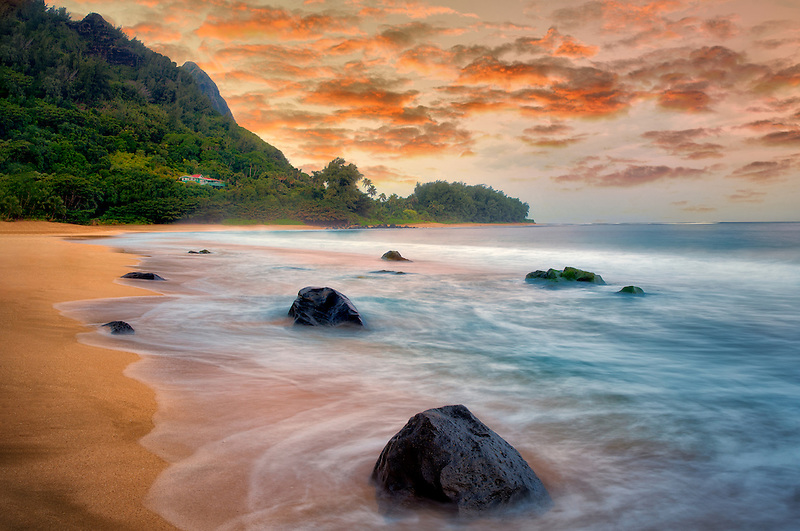 Tunnels Beach and Bali Hai at low tide. Kauai, Hawaii