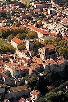 Tour de Jean XXII et eglise Saint Barthelemy au nord de la vieille ville de Cahors..Turn of Jean XXII and church Saint Barthelemy in the north of the old town of Cahors.