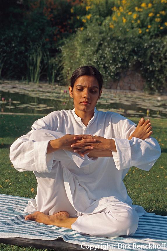 Indien, Rajasthan, Jaipur, Yoga Übung Hotel Rajvilas
