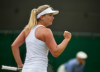 England, London, Juli 06, 2015, Tennis, Wimbledon, Coco Vandeweghe (USA) makes a gesture in her match againstge Lucie Safarova (CZE)<br /> Photo: Tennisimages/Henk Koster