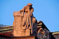 Tschechien, Prag, Dachfiguren auf dem neuen Rathaus, Unesco-Weltkulturerbe