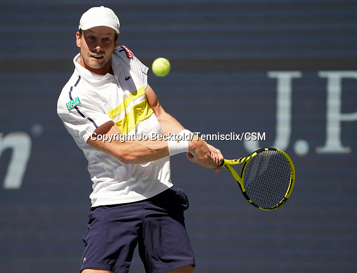 L - September  7, 2021:   Botic Van De Zandschulp (NED) loses to Daniil Medvedev (RUS), 6-3, 6-0, 4-6, 7-5 at the US Open being played at Billy Jean King Ntional Tennis Center in Flushing, Queens, New York, {USA} ©Jo Becktold/Tennisclix/CSM