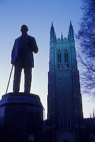 AJ3352, Duke University, college, North Carolina, Statue of James Duchaman Duke and the Duke University Chapel in the evening at Duke University in Durham in North Carolina.