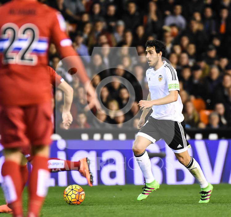 Valencia's  Daniel Parejo  and RCD Espanyol's Alvaro  during La Liga match. February 13, 2016. (ALTERPHOTOS/Javier Comos)