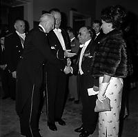 """Théâtre du Capitole. Le 2 juin 1965. Vue du Général Koenig., à l'occasion d'une soirée """"Nuit de la Légion Etrangère"""" au théâtre du Capitole."""
