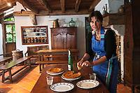 Europe/France/Aquitaine/64/Pyrénées-Atlantiques/Pays-Basque/Sare: Fred Marichular dans son Musée du Gâteau Basque  [Non destiné à un usage publicitaire - Not intended for an advertising use]