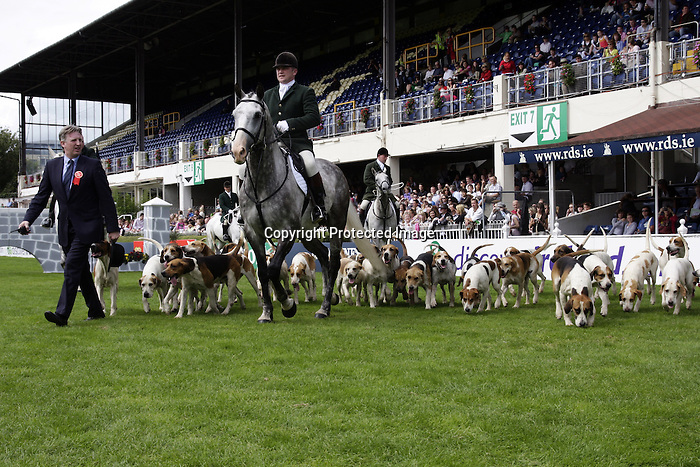 August 09, 2009: Parade of the South Dublin Hunt before the Grand Prix. Longines International Grand Prix. Failte Ireland Horse Show. The RDS, Dublin, Ireland.