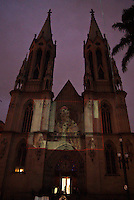 SAO PAULO, SP, 02 DE DEZEMBRO 2011 - NATAL ILUMINADO 2011 - Abertura oficial do Natal Iluminado na Catedral da Sé com projeção artistica natalina na fachada e Presépio instalado em frente à igreja. FOTO: UINY MIRANDA - NEWS FREE.