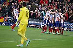 Atletico de Madrid´s Mandzukic celebrates a goal with his mates during Champions League soccer match between Atletico de Madrid and Olympiacos at Vicente Calderon stadium in Madrid, Spain. November 26, 2014. (ALTERPHOTOS/Victor Blanco)