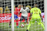 HOUSTON - UNITED STATES, 11-06-2016: Marlos Moreno (C) jugador de Colombia (COL) disputa el balón con Francisco Calvo (Izq) jugador de Costa Rica (CRC) durante partido del grupo A fecha 3 por la Copa América Centenario USA 2016 jugado en el estadio NRG en Houston, Texas, USA. /  Marlos Moreno (C) player of Colombia (COL) fights the ball with Francisco Calvo (L) player of Costa Rica (CRC) during match of the group A date 3 for the Copa América Centenario USA 2016 played at NRG stadium in Houston, Texas ,USA. Photo: VizzorImage/ Luis Alvarez /Str