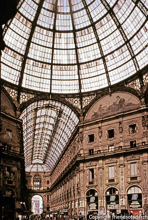 Galleria Milano in Milan,Italy. Piazza entrance. Architect Giuseppe Mengoni, opened in 1877. Four-story double arcade, one of the oldest shopping malls.