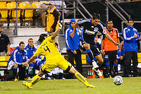 27 MAY 2009: #4 Gino Padula, Columbus Crew defender and #12 Ramiro Corrales of the San Jose Earthquakes in action during the San Jose Earthquakes at Columbus Crew MLS game in Columbus, Ohio on May 27, 2009.