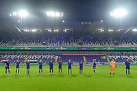 Line-up RSC Anderlecht : midfielder Tine De Caigny (6) , Tessa Wullaert (27) , forward Sarah Wijnants (11) , forward Jarne Teulings (16) , forward Mariam Toloba (19) , midfielder Kassandra Missipo (12) , defender Laura Deloose (14) , midfielder Stefania Vatafu (10) , midfielder Charlotte Tisson (20) , goalkeeper Justine Odeurs (13) , defender Laura De Neve (8)  pictured before a female soccer game between RSC Anderlecht Dames and Northern Irish Linfield Ladies  in the first qualifying round for the Uefa Womens Champions League of the 2020 - 2021 season , Wednesday 4 th of November 2020  in ANDERLECHT , Belgium . PHOTO SPORTPIX.BE | SPP | STIJN AUDOOREN