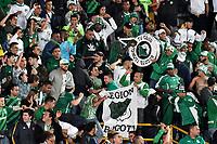 BOGOTÁ-COLOMBIA, 20–04-2019: Hinchas de Deportivo Cali, animan a su equipo durante partido de la fecha 17 entre Independiente Santa Fe y Deportivo Cali, por la Liga Águila I 2019, jugado en el estadio Nemesio Camacho El Campín de la ciudad de Bogotá. / Fans of Deportivo Cali, cheer for their team during a match of the 17th date between Independiente Santa Fe and Deportivo Cali, for the Aguila Leguaje I 2019 played at the Nemesio Camacho El Campin Stadium in Bogota city, Photo: VizzorImage / Luis Ramírez / Staff.