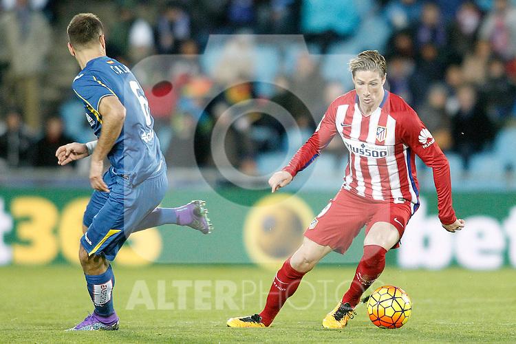 Getafe's Juan Cala (l) and Atletico de Madrid's Fernando Torres during La Liga match. February 14,2016. (ALTERPHOTOS/Acero)