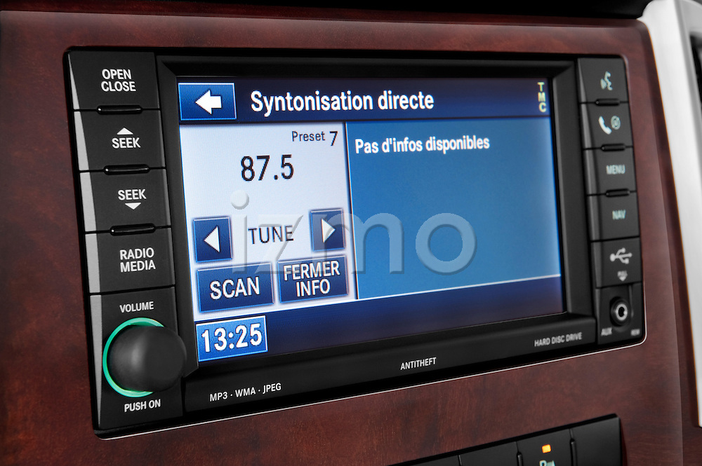 Stereo audio system close up detail view of a 2009 Jeep Grand Cherokee 5 Door