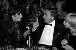 JOAN COLLINS, SAMIR TRABOULSI E FRANCOISE SAGAN<br /> PREMIO THE BEST PETIT PALACE PARIGI 1989