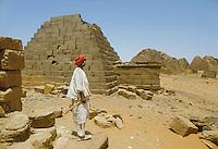 - northern Sudan, meroitic civilization, pyramids of Meroe....- Sudan settentrionale, civiltà Meroitica, piramidi di Meroe