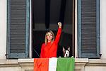 Milano, 25 aprile2020 flash mob alle finestra per la festa della Liberazione<br /> <br /> <br /> <br /> <br /> <br /> <br /> <br /> <br /> <br /> <br /> <br /> negozio chiuso durante la quarantena. L'Apocalisse in vetrina
