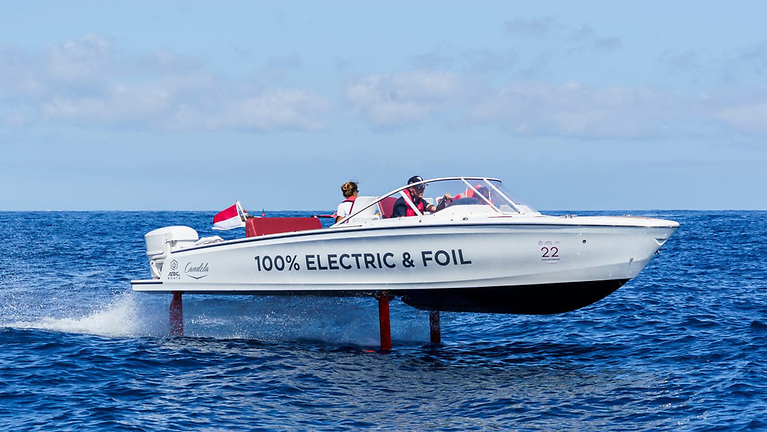 Candela C-7 claims to be the world's first electric hydrofoil boat in serial production. Flying above the surface using very little energy, it has both long endurance and high speed.